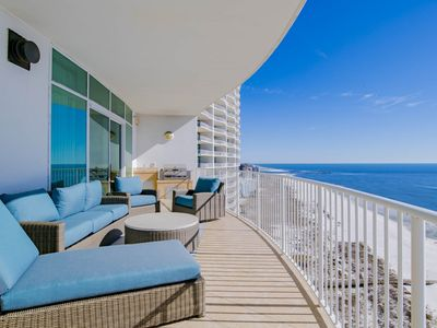 Luxurious 3 Bedroom on 18th Floor; Incredible Views to Watch the Dolphins