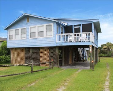 Photo for Cozy Home with Marsh Views and within Walking Distance to the Beach