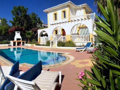 Photo for Villa Orange, 3 Bedroom 2 bathroom Villa-Near 2 Sandy Beaches.
