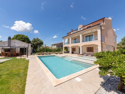 Photo for Luxury villa with swimming pool, children's pool, jacuzzi, billiards, table tennis, play equipment