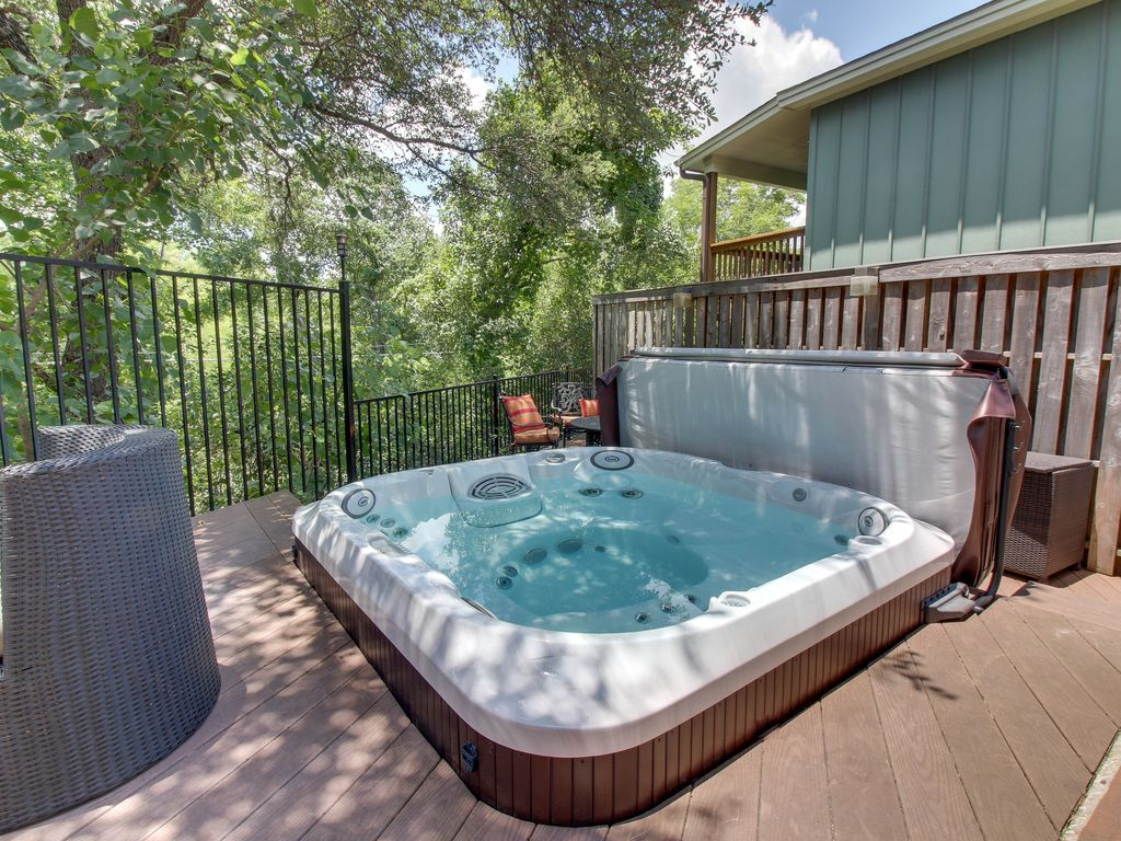 Quirky home w/ great outdoor space private hot tub, deck, firepit ...