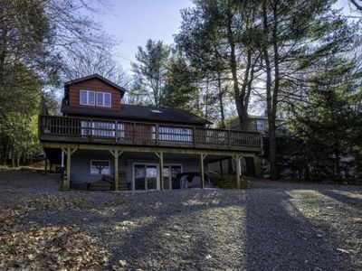 Large Lakefront Family Cabin
