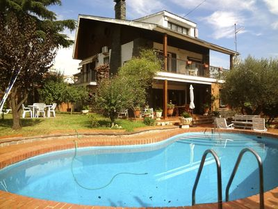 Photo for Majestic Villa Barbara, just 15km from Barcelona and 200m from the train!