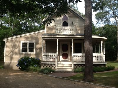 Photo for Save 10%  8/24-8/31 Great location.  Wonderful house and Yard. Very Vineyard!