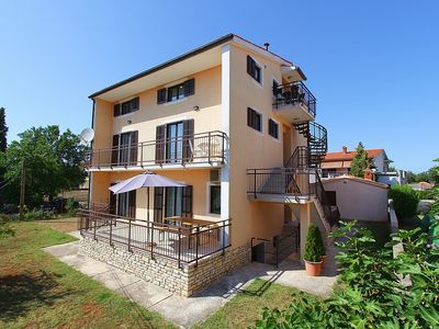 Photo for Large holiday home with 9 bedrooms, air conditioning, terrace, barbecue and only 900 meters to the sandy beach
