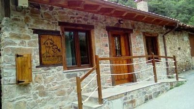 Photo for Rural house (full rental) La Rama del Castor for 8 people