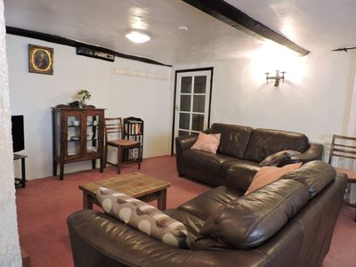 Living / Dining Area, Porch Cottage