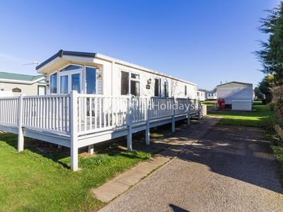 Photo for Luxury caravan for hire in Hunstanton on a great holiday park ref 23054