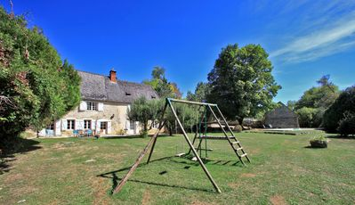 Photo for Charming stone house between Sarlat and Montignac Lascaux IV