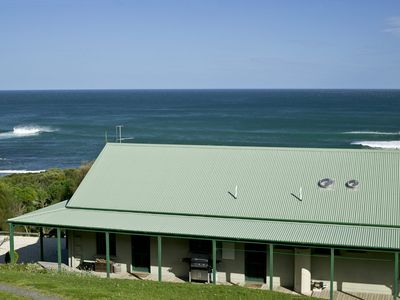 Photo for BENNETT'S BEACH HOUSE - GREAT OCEAN ROAD - APOLLO BAY