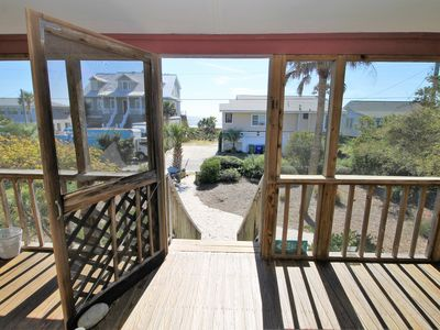 Cottage on 12th E Arctic Ave - Sea's The Day - Oceanview
