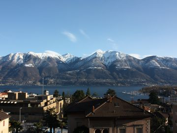 Very centrally located apartment with beautiful lake and mountain views and spa.