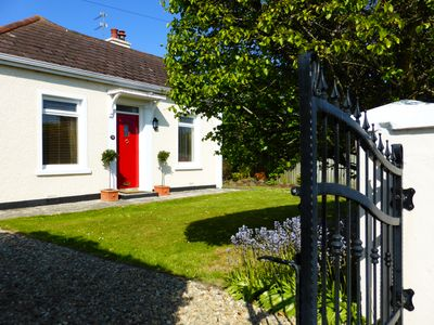 Spacious, stylish seaside cottage in the heart of Portrush on the Causeway Coast