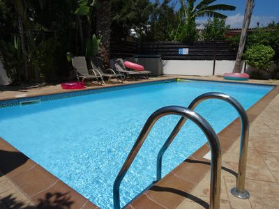 Large private pool (8x4 m)
