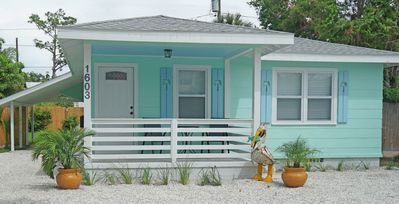 CHARMING  COTTAGE NEWLY RENOVATED LOCATED BETWEEN CLEARWATER BEACH AND DUNEDIN