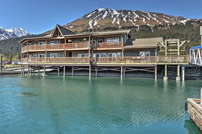 This apartment in Seward is on Seward Small Boat Harbor near Mount Marathon.