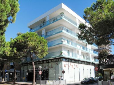 Photo for 2 bedroom Apartment, sleeps 7 with Air Con, FREE WiFi and Walk to Beach & Shops