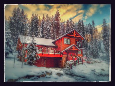 Photo for Jackpine Lodge, Private Hot Tub, Pool Table, Outdoor Fireplace, Ski & Golf PKG's