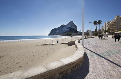 """Photo for Holiday rental apartment situated in Calpe (Costa Blanca), for maximum 6 people. Nice 2 bedroomed apartment placed in the first line of the """"Levante"""" beach from Calpe, with lateral sea views."""