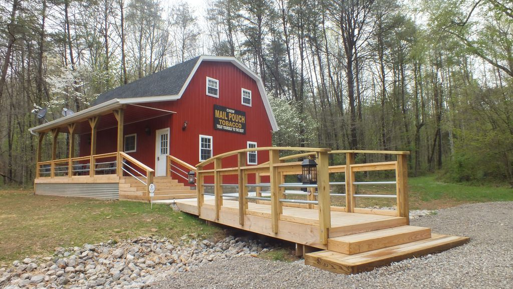 THIS IS IT! Secluded 6 acres, Pond, WIFI/DISH TV, Hiking, Firepit, Serpent Mound