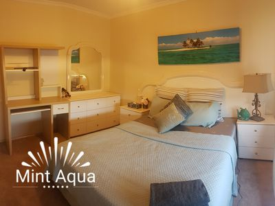 Photo for Mint room, queen bed, private room in a cosy home, walk to bus, Berwick central