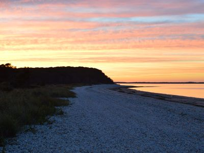 Photo for 2BR Cottage Vacation Rental in Hampton Bays, New York