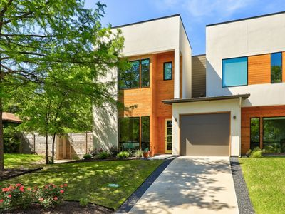Photo for 3BR/4BA Modern Zilker Hideaway, Walk to ACL and Downtown!