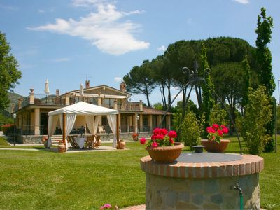 Photo for Private Villa with A/C, private pool, WIFI, TV, terrace, pets allowed, parking, close to Cortona