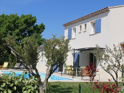 Photo for Villa with pool in private domain in the heart of the Alpilles