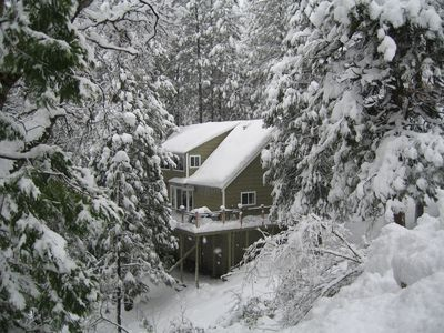 Photo for Ridgeview Lodge - Spacious mountain lodge near Pinecrest and Dodge Ridge