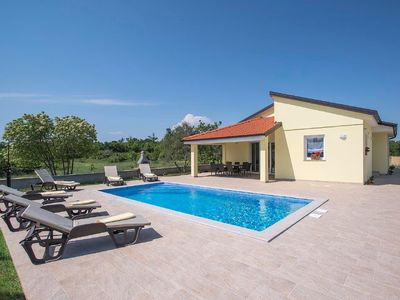 Photo for Holiday house Filipana for 6 - 8 persons with 3 bedrooms - Holiday house