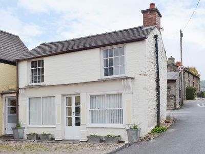 Photo for 1 bedroom property in Brecon. Pet friendly.