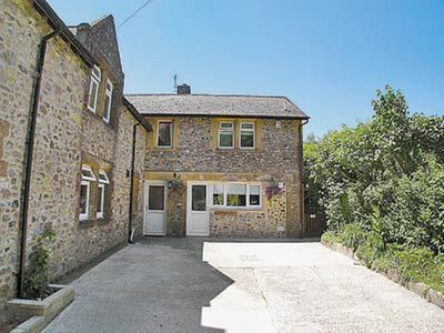 Photo for 1 bedroom property in Bettiscombe. Pet friendly.