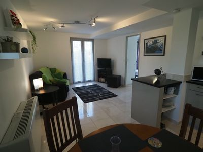 Photo for Modern apartment, quiet, fully equipped, private parking, air conditioned