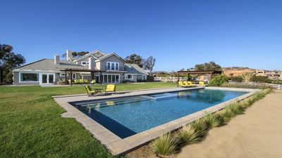 Family Friendly Modern Farmhouse with Huge Yard and Pool