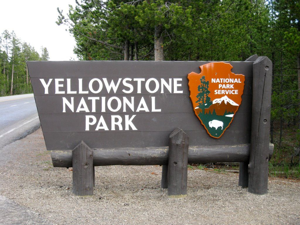 Yellowstone Home Ten Minutes From The West Entrance To