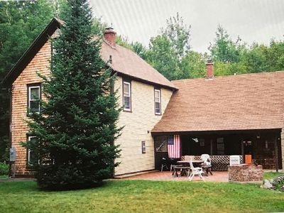 Photo for Spacious, 6 Bdrm Farmhouse, minutes to the mountains, walk to town!