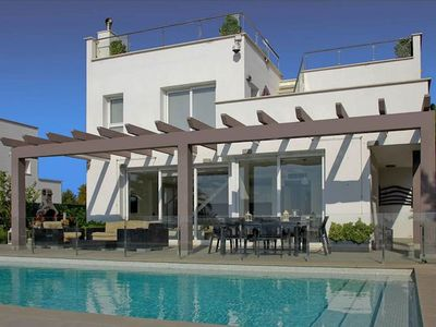 Photo for This villa offers you all that you need: comfort and spectacular sea views. Situated at the top of T