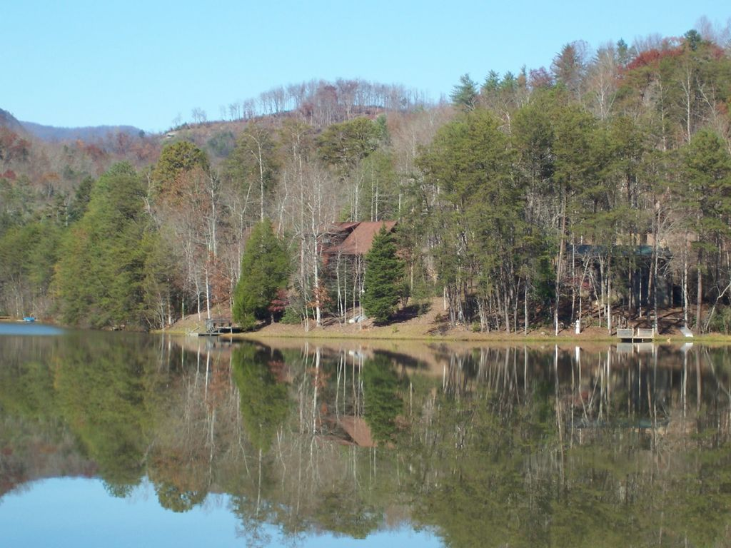 Property Image#2 Lakeside Retreat A Beautiful Lakefront Log Cabin, On Mirror  Lake~