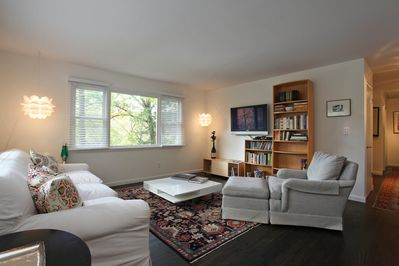 Bright light, cozy up with books or board games, watch TV or DVDs. Work in peace