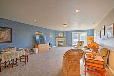 Spread out in the open-concept living room and prepare for a memorable getaway.