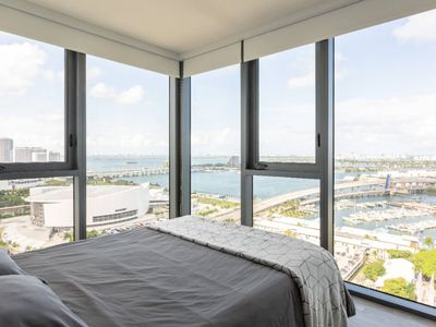 Photo for Gorgeous 2BR condo with Oceanview near Bayfront Park