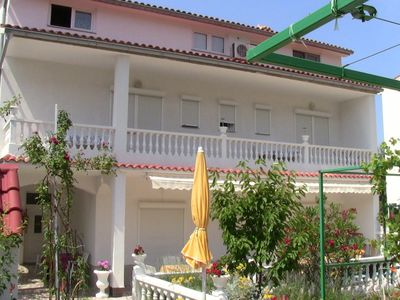Photo for Apartment / app. for 8 guests with 120m² in Palit, Rab (68378)