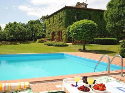 Photo for Tuscan Style Family Friendly Villa With Large Pool.