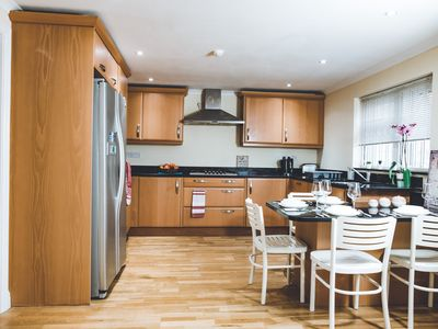 Photo for Luxury Apartment Near Wembley