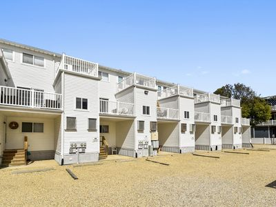 Photo for LINENS & DAILY Activities INCLUDED*!. OCEANBLOCK/COMMUNITY POOL/CLOSE TO ALL DEWEY BEACH HAS TO OFFER!