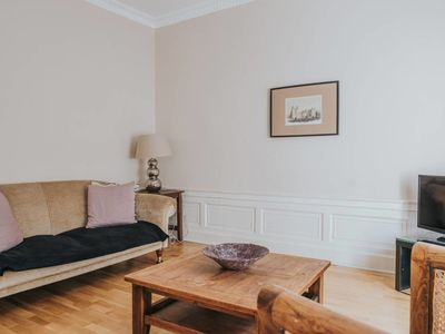Photo for Classic 2 bedroom Ground Floor Apartment, Off George Street
