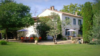 Photo for Mas Provencal village 7 minutes from Avignon. TGV station at 6 Km.