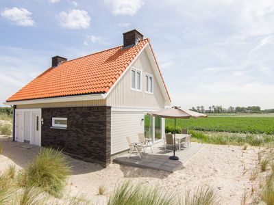 Photo for 8-person villa - Klepperduin in the holiday park Landal Strand Resort Ouddorp Duin - on the coast/the beach