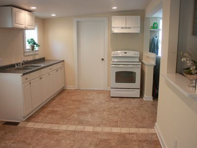 Photo for Charming 2Bed/1Bath Fully Furnished Apartment
